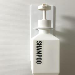 tower 浴室収納 磁石 シャンプー ボトル 収納 4867 4868 山崎実業 YAMAZAKI | TOWER(浴室、石鹸ラック)を使ったクチコミ「towerのマグネットバスルームディスペ…」