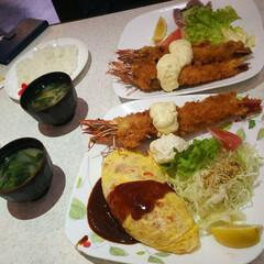 特大エビフライ/LIMIAおでかけ部/フォロー大歓迎/わたしのごはん 和歌山の特大エビフライ専門店オリノ。美味…