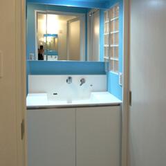 塗装壁/フロアータイル/オリジナルデザイン/アンティーク/水色/ブルー/... シンプルで使いやすい洗面化粧台。
