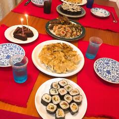 誕生日パーティー/わたしのごはん/手巻き寿司/手作り餃子/肉巻き 妹の20歳の誕生日。妹の大好きなご飯でお…