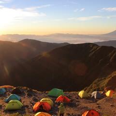 登山/日の出/富士山 国内で標高No.2の北岳から、No.1標…