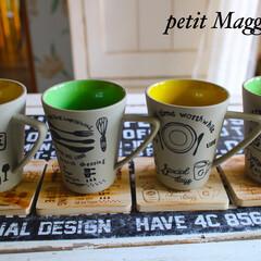 マグカップ/手描きカフェ風/らく焼きマーカー 3コインズの陶器のマグカップにも 木製コ…