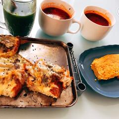 朝ごはん/前の日の残り物/野菜炒め/チゲスープ/パン/手抜き料理 朝ごはん☆ 昨日の残りの野菜炒めに チー…