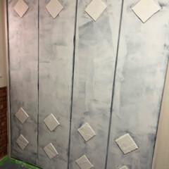 DIY/ドア/クローゼット/ペンキ/ダイソー/セリア/... 娘の部屋☆ セリアの正方形のクッションシ…