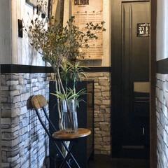 壁紙貼り替え/うちの玄関/団地の玄関/インダストリアルインテリア/男前インテリア/団地DIY/... 玄関を明るくしたくて壁紙を貼り替えました…