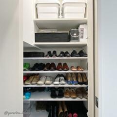 シューズクローク/シューズクローゼット/靴収納/靴収納棚/土間収納 土間収納は間口よりも中が広く、棚板を入れ…