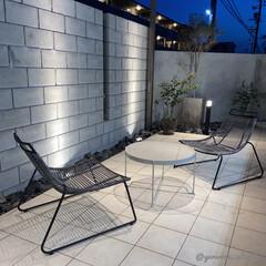 庭/庭のある暮らし/モノトーンインテリア/海外インテリア/北欧インテリア/タイルデッキ 夜の庭です。冬の間は寒くて活用できなかっ…
