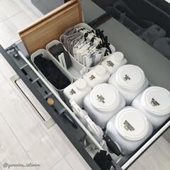 モノトーン/モノトーンインテリア/収納/キッチン収納/洗剤収納/楽天購入品 この引き出しは、キッチンタオルなどのほか…