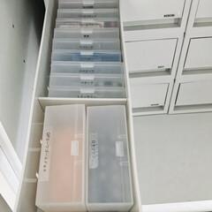 薬収納/薬/収納/セリア/無印良品/100均収納 我が家の薬(主に錠剤)収納です。セリアと…
