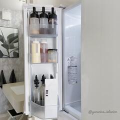 冷蔵庫収納/調味料収納/調味料ボトル/冷蔵庫/モノトーンインテリア/収納/... 冷蔵庫収納の左側ポケットは調味料がずらり…