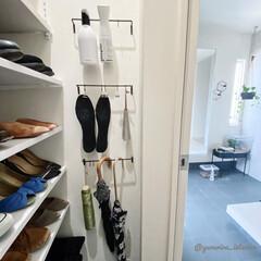 傘収納/土間収納/シューケア用品/収納/玄関/玄関収納 傘やシューケア用品は、土間収納の壁にアイ…