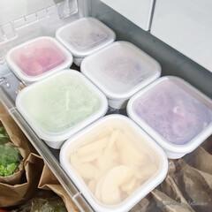 タッパー収納/モノトーンインテリア/キッチン収納/冷蔵庫収納/収納 朝ごはんを早く用意するために、毎日食材を…