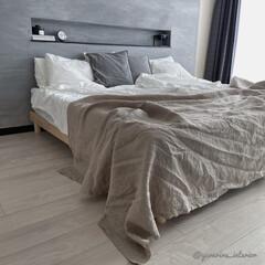 モノトーンインテリア/海外インテリア/北欧インテリア/寝室インテリア/主寝室 主寝室のベッドカバーをハンドメイドしまし…