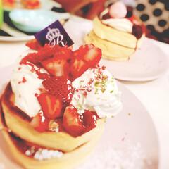 デザート/スイーツ/生クリーム/いちご/駅前/姫路市/... ぷるんぷるんのパンケーキ(*´︶`*)❤︎