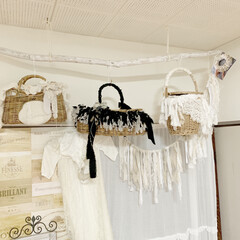 かごバッグ/手作り/裂き布/アンティークレース/リネン/100均/... 籠バックを装飾してみました がま口とカゴ…
