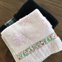 洗って使える/積み重ね/ハンドタオル/暮らし/節約 ちょっとした節約。 ハンドタオルをダイニ…