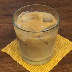 季節の変わり目/季節/ミルク/アイスカフェオレ/暮らし ミルクを入れて、アイスカフェオレ。 少し…
