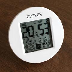 シチズン 温湿度計(掛置兼用)(ボールペン)を使ったクチコミ「湿度や温度だけでなく、日時やインフルエン…」(1枚目)