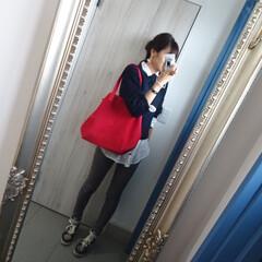 ママファッション/コーデ/赤/スニーカー好き/おでかけワンショット お出掛け前にパシャり❤️