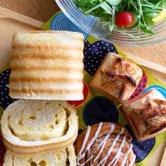 イッタラ/イッタラアイノアールト/iittala/イッタラティーマ/北欧食器/サラダ/... 美味しいパンに出会えるのは幸せ♡