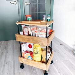 ラック/キッチンラック/ハンドメイド/DIY/キッチン/キッチン雑貨/... 先日、キッチンラックがほぼ完成しました!…