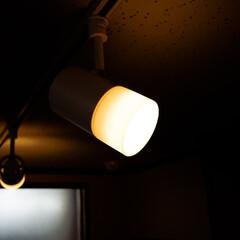 ラィテングデスク/LEDライト/熟睡 良質な睡眠には暖色系の照明が良いです