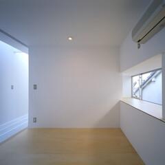 名古屋/ファインフロア/トップライト/出窓 出窓のある寝室。