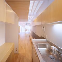 名古屋/クリフローリング/ファインフロア キッチンから主室に繋がる空間。