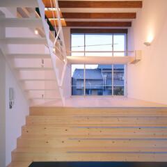 豊川市/スプルス 高い天井の主室の合成梁。