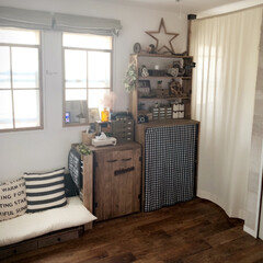 クッションフロアーリスタ/ウォルナット/木工/ディアウォール棚DIY/棚DIY/雑貨/... すのこソファーの横の棚の扉が壊れたのでS…