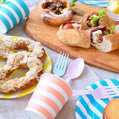 サンナップ/簡易食器/アウトドア/ピクニック/リサイクル/紙コップ/... 五月晴れ!美味しいパンに可愛いペーパーカ…