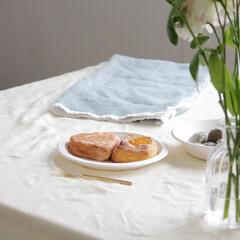 サンナップ/紙皿/朝食/シンプルな暮らし/白/お洒落 朝食での1枚をパシャり📸  白色の紙皿は…