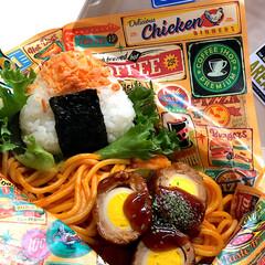 お弁当 今日の三女弁当୨♡୧  鮭おにぎり❁❀✿…(1枚目)