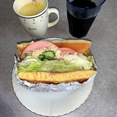 ブランチ/サンドイッチ/お昼ごはん/おうちごはん/ランチ/簡単/... お昼ご飯です。昨日の残ったホットケーキで…