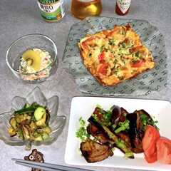 タバスコ ペッパーソース 150ml 1個(練りゴマ)を使ったクチコミ「お昼ご飯です。 油揚げのピザ。鰹となすの…」