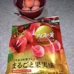 アイスの実 大人の苺 24個入り 江崎グリコ(アイスクリーム、ソフトクリーム)を使ったクチコミ「晩酌ご飯です😊  残ったカニ肉でかに玉。…」(2枚目)
