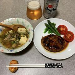 残り物/作り置きレシピ/作りおきおかず/晩酌ご飯/おうちごはん/簡単/... 晩酌ご飯です。 ひじきハンバーグ。ゆでア…