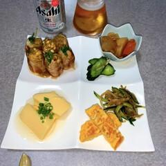 晩酌ご飯/作り置き/おうちごはん/簡単/暮らし/節約 晩酌ご飯です。 豚ロースのえのきと水菜巻…
