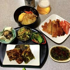 作り置き/晩酌ご飯/おうちごはん/簡単/暮らし/節約 晩酌ご飯です。 豚肉の味噌漬け。トマト。…