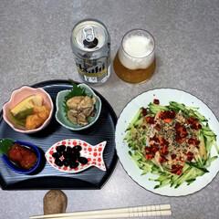 お取り寄せグルメ/作り置き/晩酌ご飯/晩酌/おうちごはん/簡単/... 晩酌ご飯です。鶏ハムの棒々鶏(レタス、き…