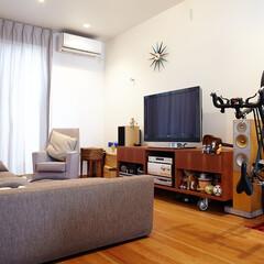 自転車/収納/自転車収納/リビング/自転車スタンド/縦置き/... リビングで大好きな自転車と一緒にくつろい…