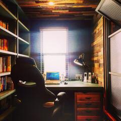 書斎/造作/本棚/塗装/無垢/古材/... 私が普段、記事を書いている 男の秘密基地…