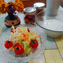 カップ/カッティングボード/おうちごはん/昼食/グリル/ヘルシー/... こんにちは👋😃  今日のお昼は、スーパー…(2枚目)