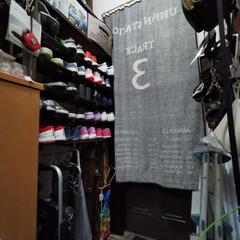 ワトコ社 ワトコオイル浸透性木材用塗料 エボニー 1L W-10(ペンキ、塗料)を使ったクチコミ「「玄関収納、靴棚完成!」なのだワン!🐾 …」(2枚目)