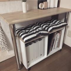 カラーボックス/ベンチ/DIY/インテリア/ニトリ/収納 以前DIYしたベンチ兼収納。 気分や季節…
