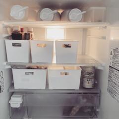 冷蔵庫収納/100均/セリア/キッチン/収納/キッチン雑貨 冷蔵庫収納の見直し中。。 ケースやお米保…(1枚目)
