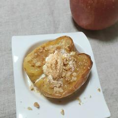 今日のおやつ/りんご/焼きリンゴ/焼きりんご 焼きりんご🍎  バニラアイスをのせたら …(1枚目)