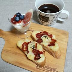 カナッペ/パスタ/ドライトマトのオイル漬け/ドライトマト/おうちごはん/おうちカフェ/... ドライトマトで🍅  パスタ🍝 カナッペ🥖…(2枚目)