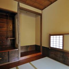 茶室/非日常/和/漆/コブシ/床柱/...  タタミ2畳の狭小な茶室です。格式ばらず…