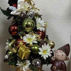 ツリー/クリスマス/キャンドゥ/ダイソー/セリア/100均/... 市販の飾られていない小さめなツリーにグル…